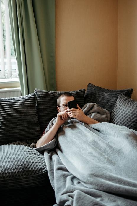 blog lifestyle homme accessoire objet flemme faineant pantouflard maison connecte wifi bluetooth alexa enceinte ampoule