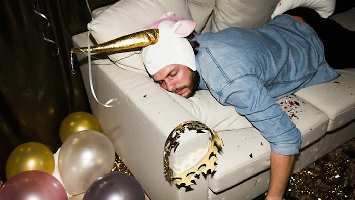 meilleurs-remedes-anti-gueule-de-bois-dormir