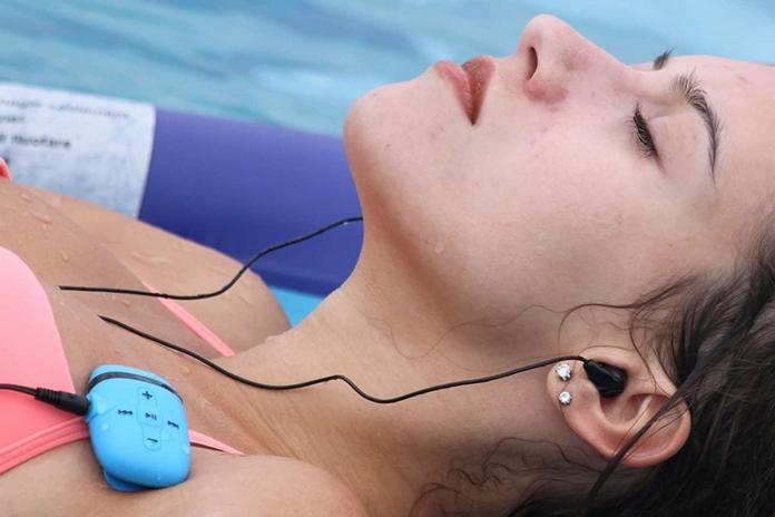lecteur musique waterproof etanche casque ecouteur audio resistant eau piscine natation accessoire