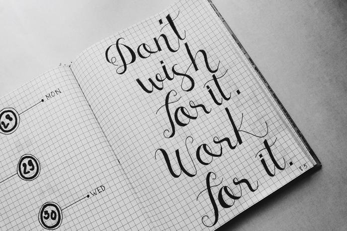 materiel accessoire calligraphie ecriture carnet feuille cahier exercice vierge apprentissage pas cher stylos feutres pinceaux