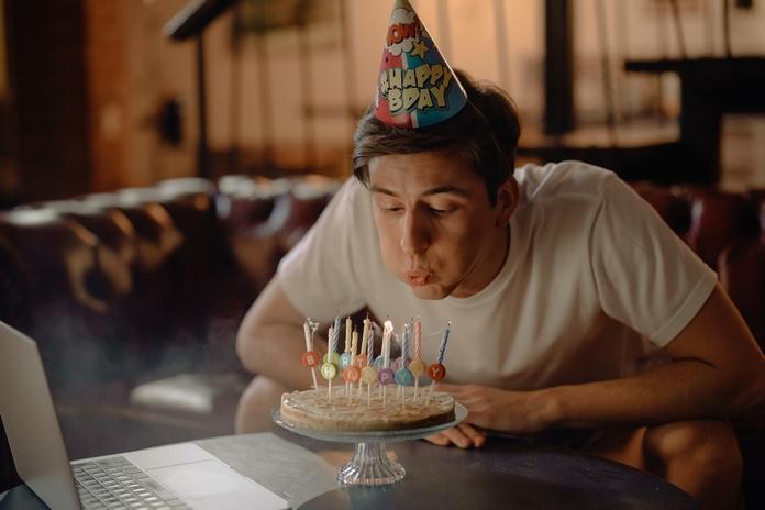 idee cadeau anniversaire 18 ans garcon homme amusant