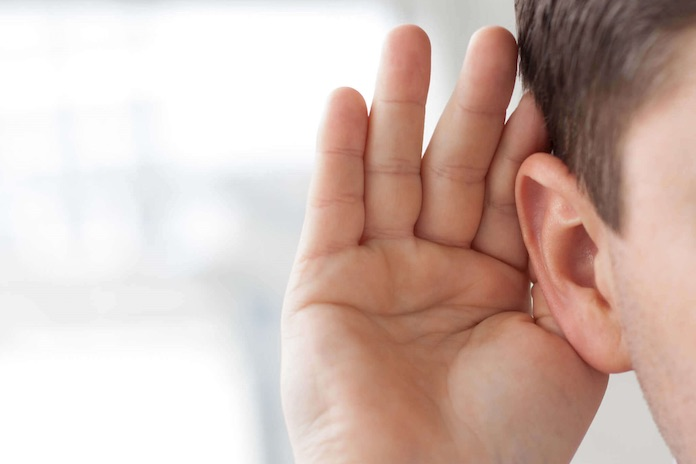 point noir oreille enlever homme solution
