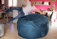 test bananair avis pouf geant plongeon