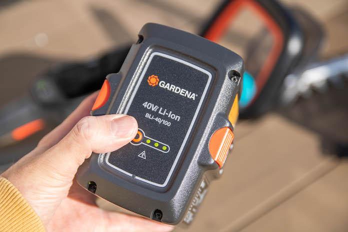 test avis taille haie gardena powercut li 40 60 bouton batterie
