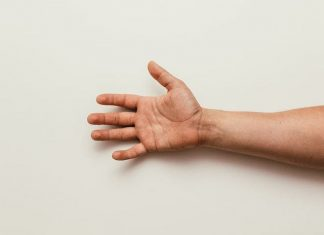 avoir-les-mains-douces-conseils homme