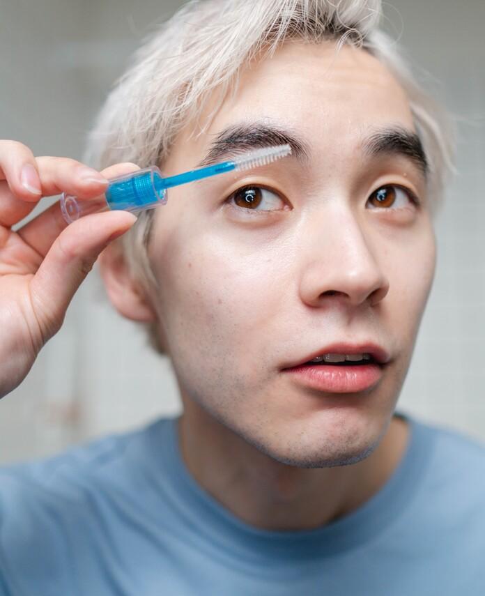 comment-avoir-beaux-sourcils-hommes-tailler-sourcils