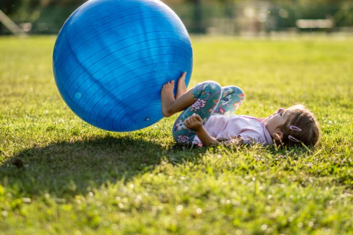jeux petit enfant bebe exterieur interieur ete