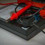 multimetre-pourquoi-utiliser-et-lequel-choisir-multimetre-analogique