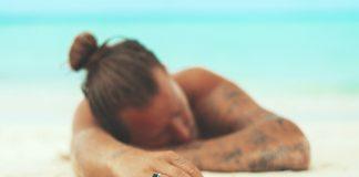 s occuper sur la plage homme seul plage