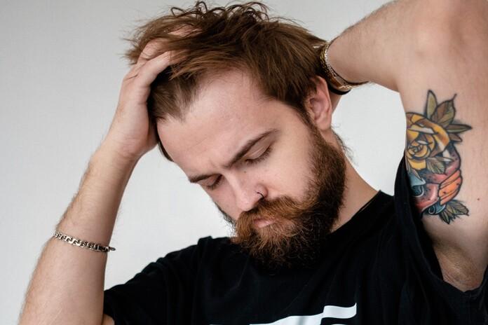 entretenir et coiffer des cheveux fins